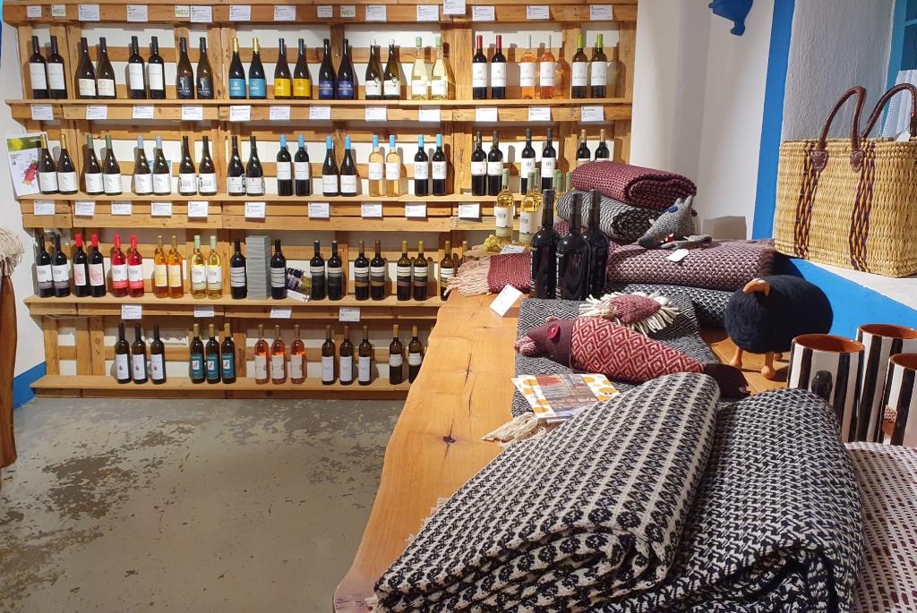 Wein & TextilienPOIS Hofladen – Foto: Matthias Kästner